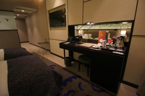 Фото отеля Waxwing Hotel