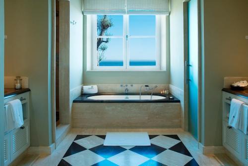 Suite con Piscina Privata e Accesso Spa