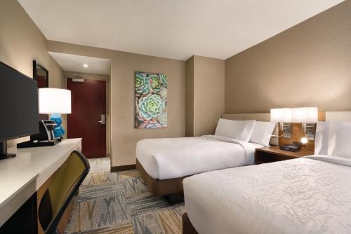 Hilton Garden Inn New York Times Square South Двухместный номер с 2 двуспальными кроватями