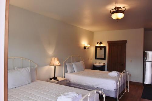 Yellowstone Condos & Suites - Gardiner, MT 59030