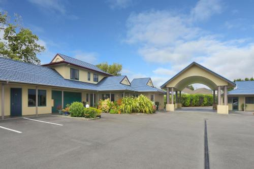. Belmont Motor Lodge