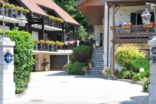 Accommodation in Duingt