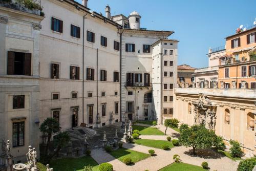 Via dell'Arancio 69, Rome, 00186, Italy.