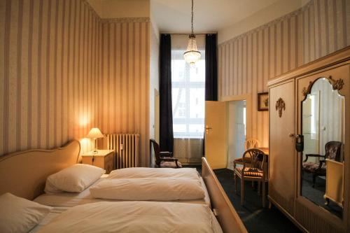 Hotel-Pension Funk am Kurfürstendamm photo 8