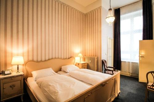 Hotel-Pension Funk am Kurfürstendamm photo 30
