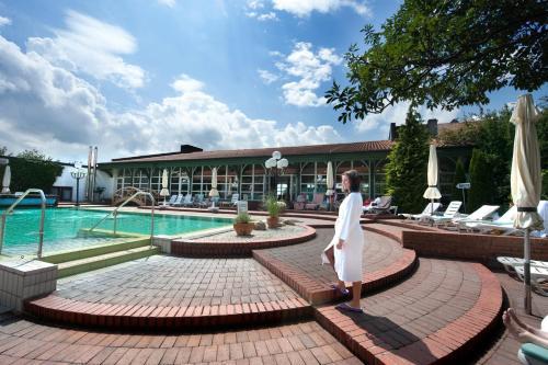 __{offers.Best_flights}__ Hotel Glockenspiel