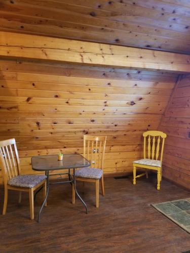 Mooseberry Cabin