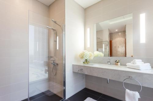 Nasma Luxury Stays - Central Park Tower - image 6
