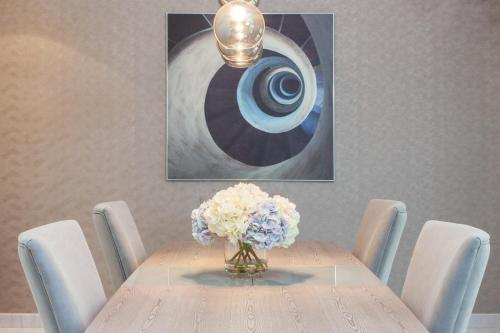 Nasma Luxury Stays - Central Park Tower - image 9
