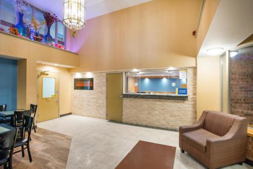 Days Inn By Wyndham New Haven - New Haven, CT 06513