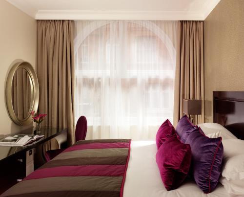 Taj 51 Buckingham Gate Suites and Residences photo 13