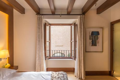 Habitación Doble Castell Son Claret - The Leading Hotels of the World 9