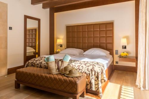 Habitación Doble Castell Son Claret - The Leading Hotels of the World 8