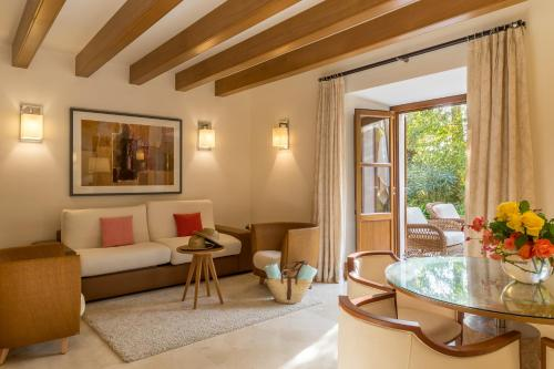 Suite Junior Jardín Castell Son Claret - The Leading Hotels of the World 16