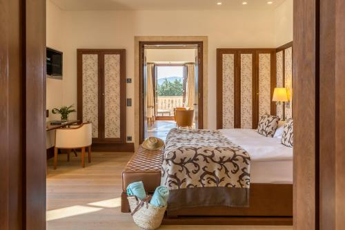 Suite Deluxe Castell Son Claret - The Leading Hotels of the World 1