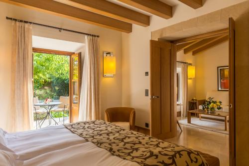 Suite Junior Castell Son Claret - The Leading Hotels of the World 11