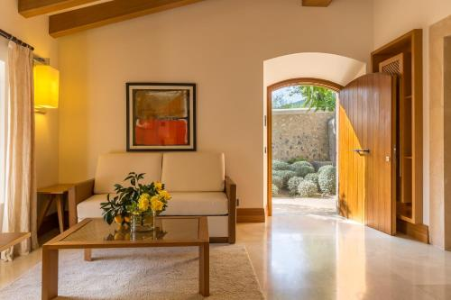 Suite Junior Castell Son Claret - The Leading Hotels of the World 4