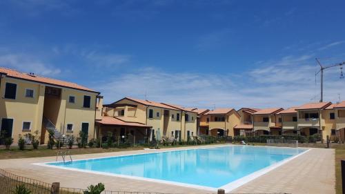 Residence Con Piscina Baia Delle Mimose