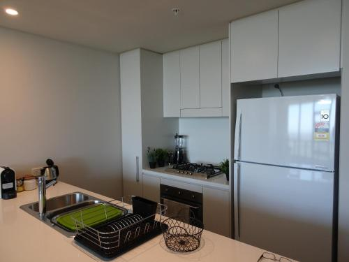 Sydney Olympic Park Apartment - image 3