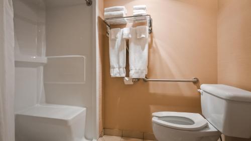 Best Western PLUS Mission City Lodge room photos