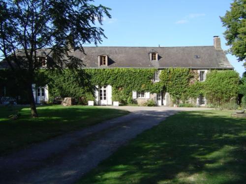 Manoir de Pommery - Chambre d'hôtes - Sixt-sur-Aff