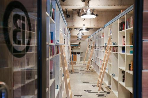 Book Inn