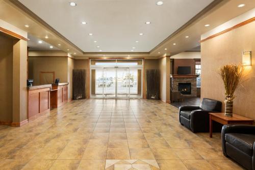 Days Inn & Suites by Wyndham Edmonton Airport - Leduc, AB T9E 8B7