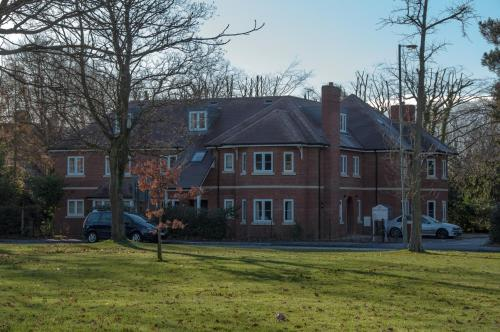 Picture of Flexi-Lets@Old Rectory Court, Frimley