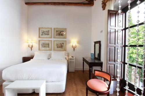 Deluxe Double or Twin Room Hotel Patria Chica 1