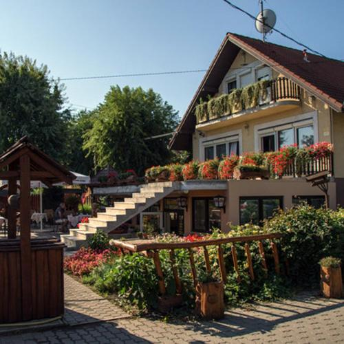 Accommodation in Tolna