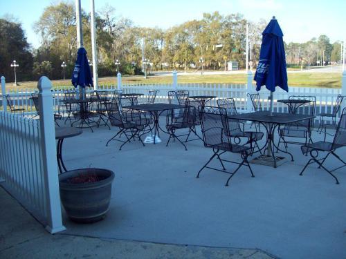 Days Inn by Wyndham Savannah Airport - Savannah, GA GA 31408