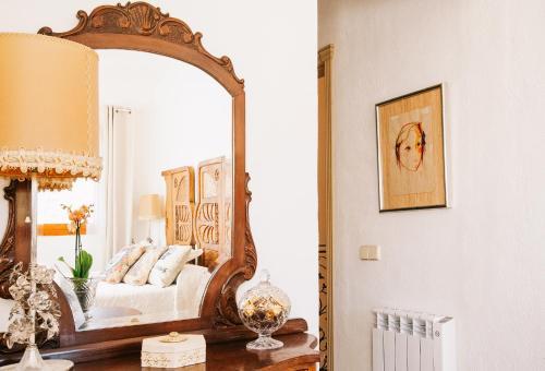 Habitación Deluxe - 1 cama grande Vila caelus masía boutique 6