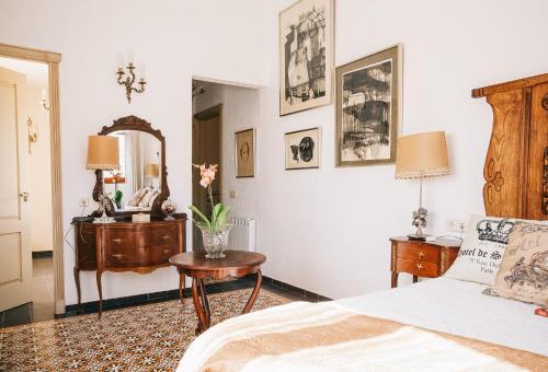 Habitación Deluxe - 1 cama grande Vila caelus masía boutique 12