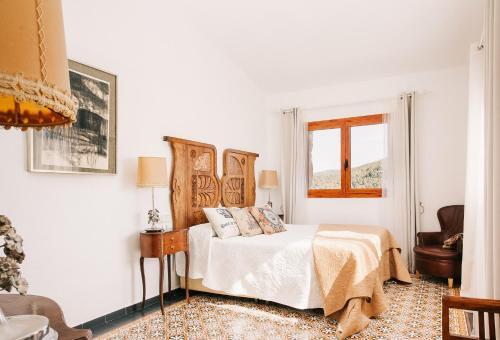 Habitación Deluxe - 1 cama grande Vila caelus masía boutique 4