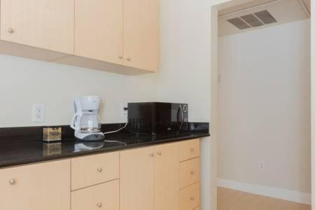 Hollywood Dream 2 Bedroom - Los Angeles, CA 90028