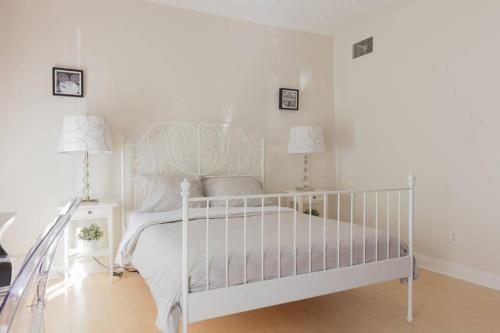Hollywood Dream 2 Bedroom - Los Angeles, CA 90028