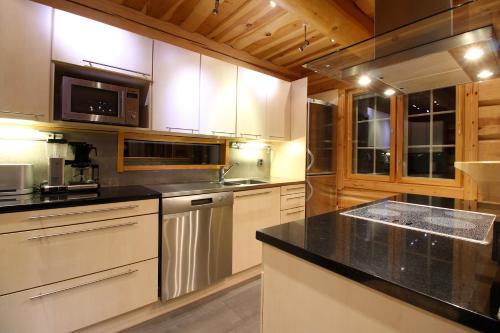 Villa Levinkajo - Accommodation - Sirkka
