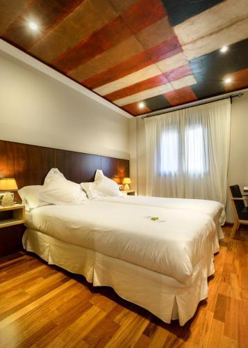 Habitación Doble Estándar - 1 o 2 camas Hotel La Casueña 9