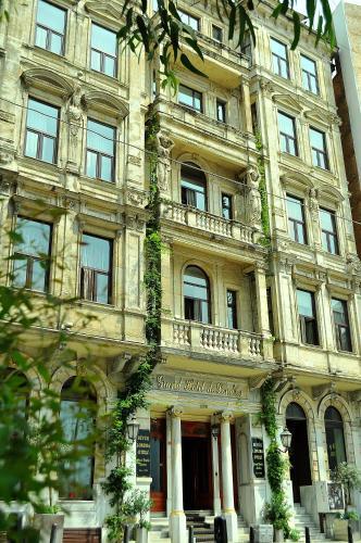 Istanbul Grand Hotel de Londres yol tarifi