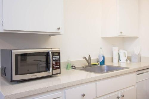 Comfy Silicon Valley Apartment - Sunnyvale, CA 94086