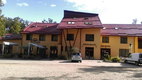 . Hotel Elyon Dej