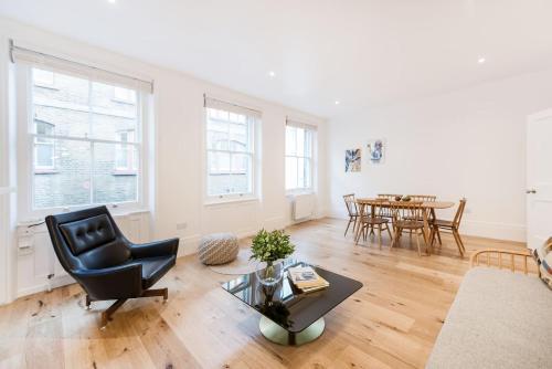 . Covent Garden Apartments - Netflix and Nespresso