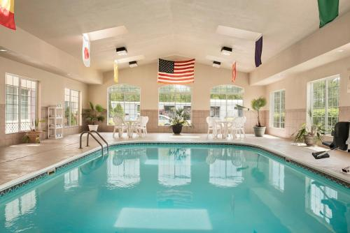 Country Inn & Suites By Radisson Paducah Ky - Paducah, KY 42001