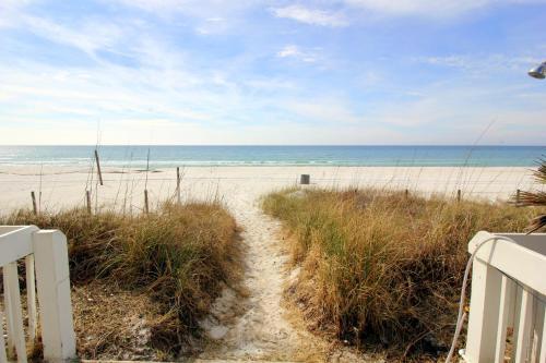 Sugar Sands Inn & Suites - Panama City Beach, FL 32413