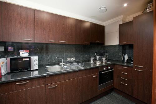 Sanctum International Serviced Apartments - Photo 3 of 111