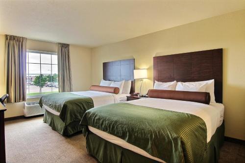 Cobblestone Hotel And Suites Crookston - Crookston, MN 56716