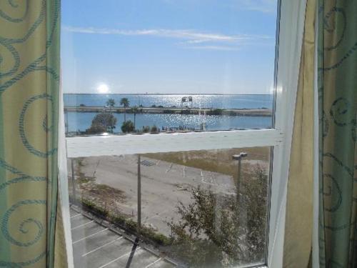 Hampton Inn Tampa-Rocky Point - Tampa, FL FL 33607