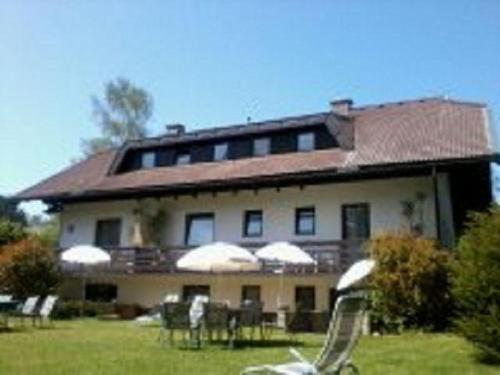 Appartements Kubisko WG 2, Pension in Keutschach am See