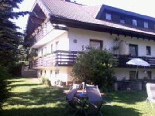 Appartements Kubisko WG 4, Pension in Keutschach am See