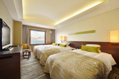 Toya Sun Palace Resort & Spa - Accommodation - Lake Toya